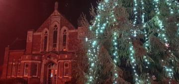 Bicester Methodist Church in Advent